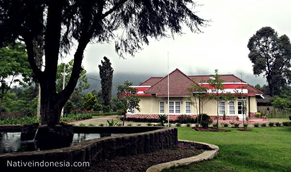 gunung bukit unggul - villa