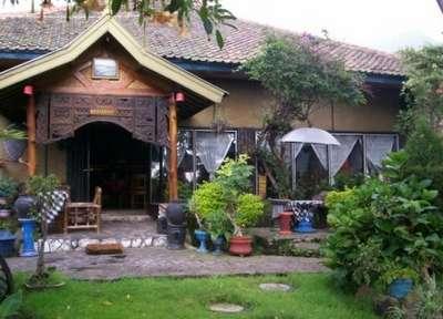 Yoschi's Hotel probolinggo - hotel di probolinggo