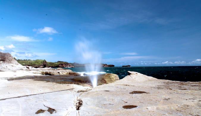 foto pantai klayar pacitan - seruling samudera