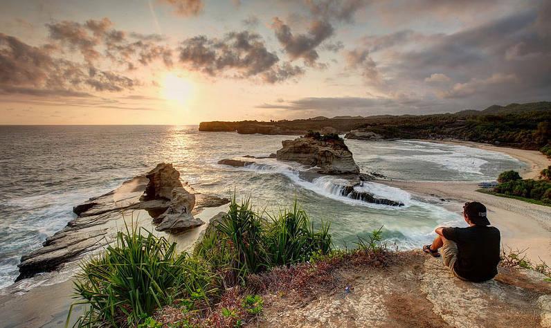 foto pantai klayar - sunset di klayar pacitan