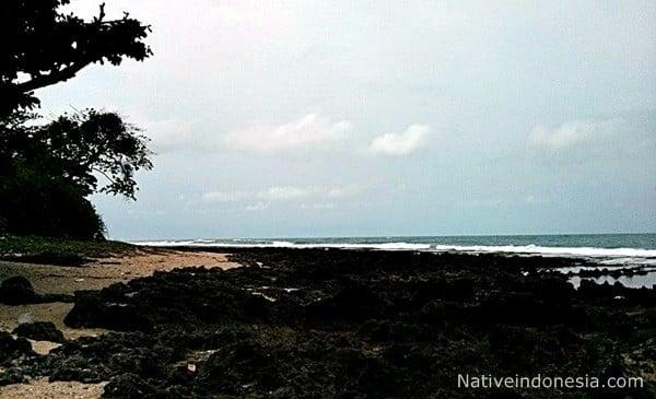 pantai rancabuaya - karang