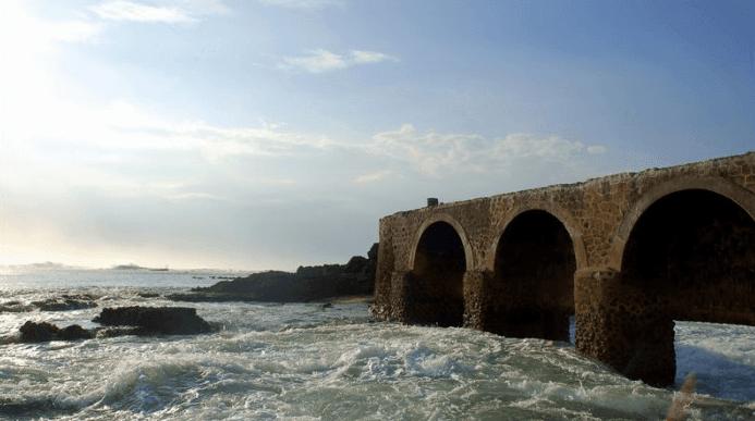 pantai santolo - jembatan di pulau santolo