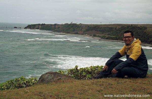 pantai puncak guha garut selatan
