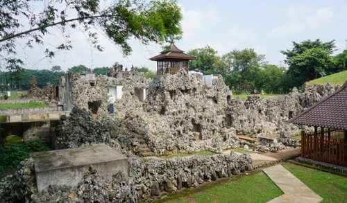 foto Taman Sari Gua Sunyaragi