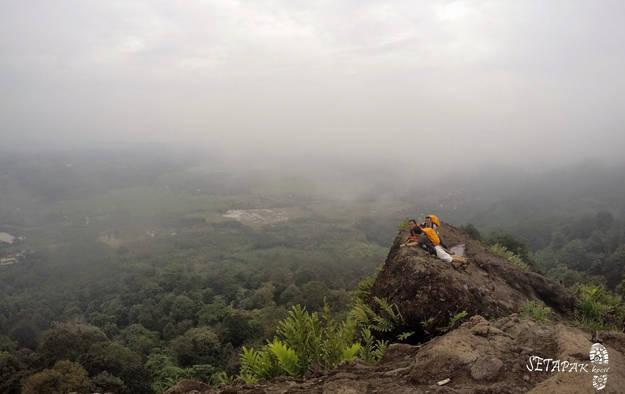 wisata gunung munara rumpin bogor