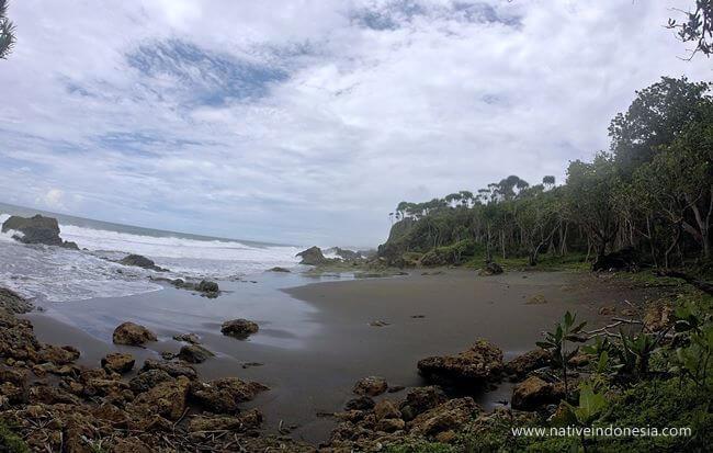 pantai karang tawulan