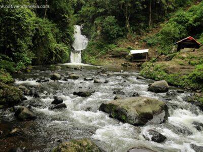 Trekking ke Curug Tilu Leuwi Opat Lembang