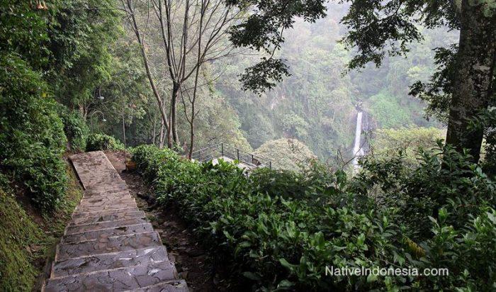 air terjun pelangi - curug cimahi lembang bandung - tangga