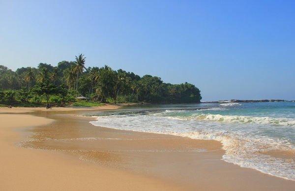 Pantai Legon Pari Sawarna - pantai sawarna