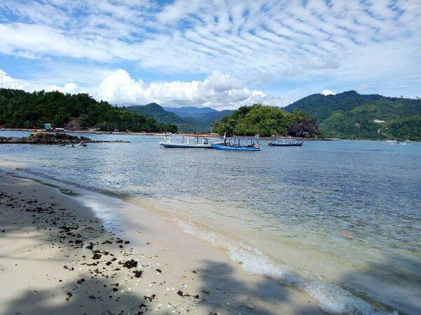 pulau cingkuak pantai carocok