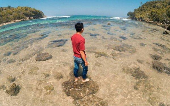 tebing pangi beach