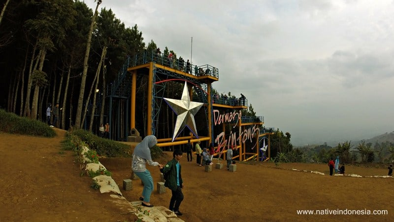 Dermaga Bintang di puncak bintang bandung