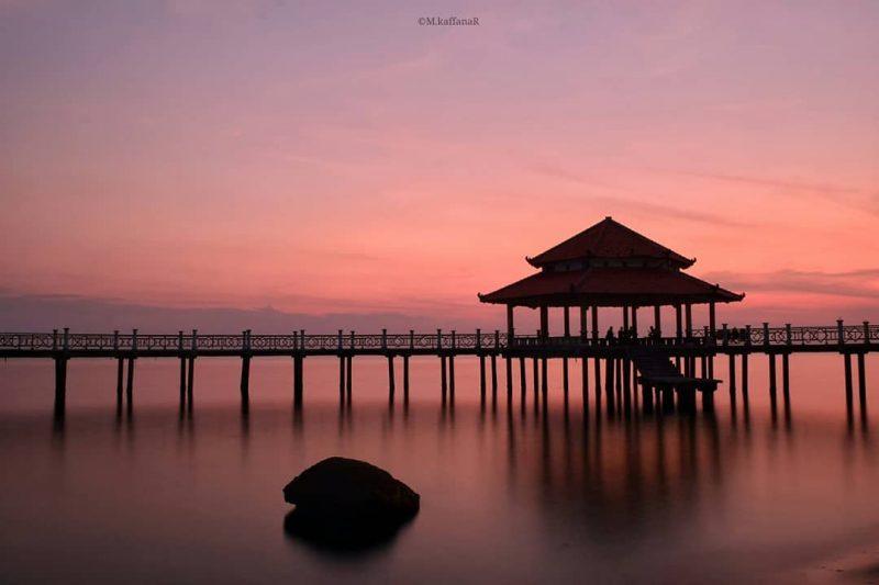 Pantai Kartini Jembatan