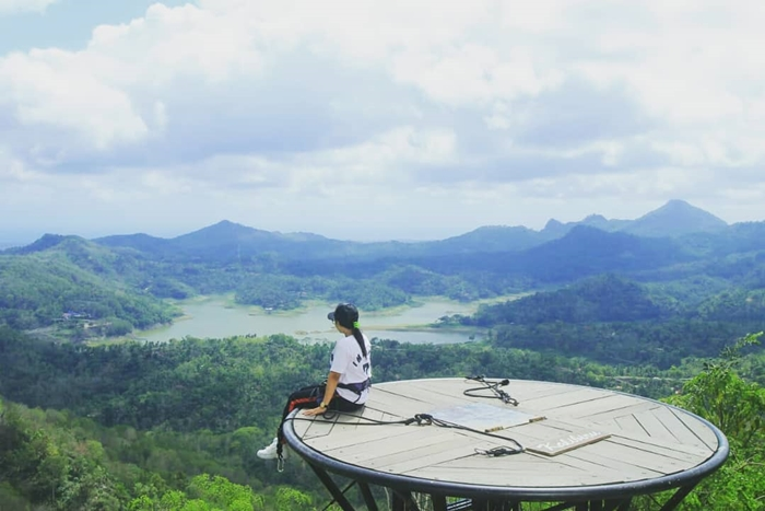 Kalibiru Menara Pandang