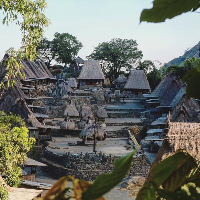 Labuan Bajo Desa Bena