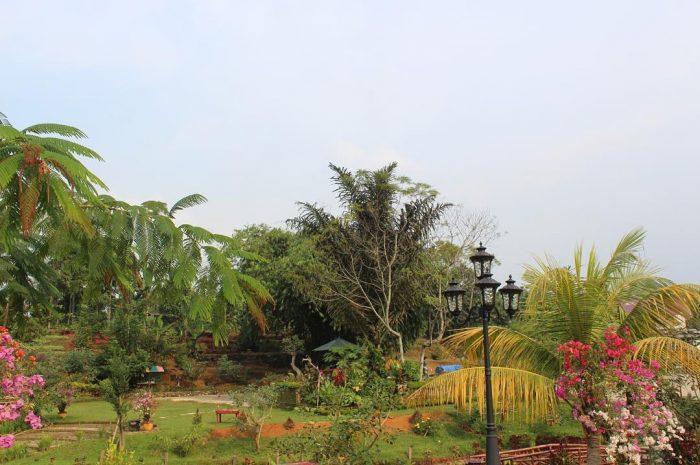 Le Hu Garden Colorful