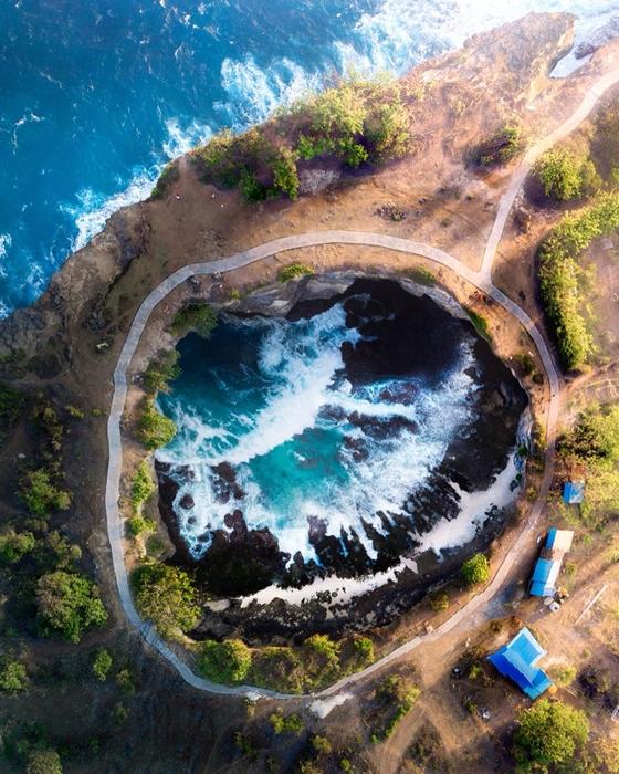 Nusa Penida Broken Beach