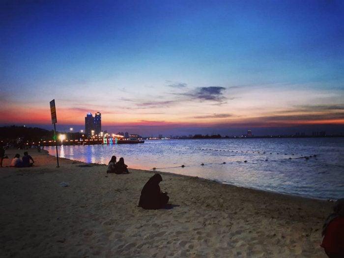Pantai Ancol Marina