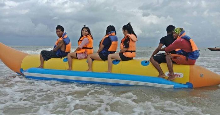 Pantai Angsana Banana Boat