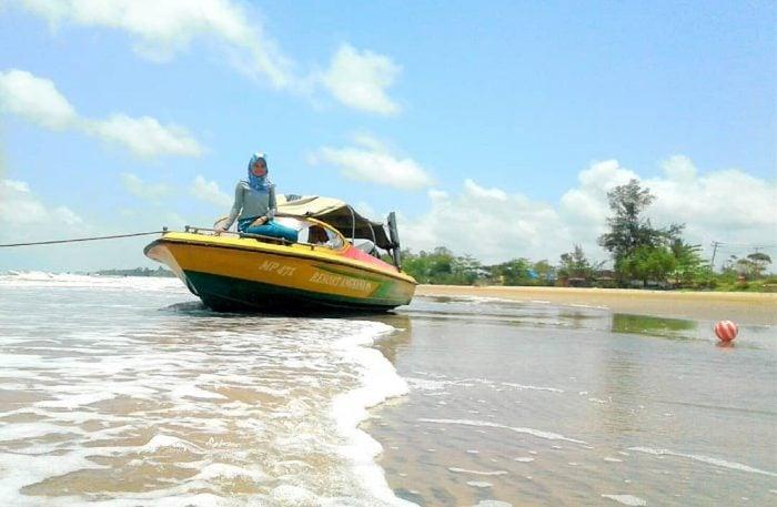 Pantai Angsana Boat