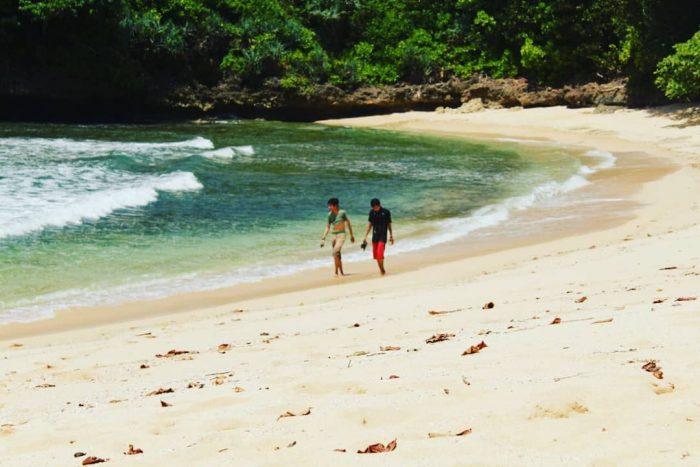 Pantai Mendhi Beach