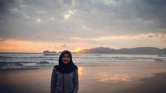 Pantai Pulau Merah Sunset