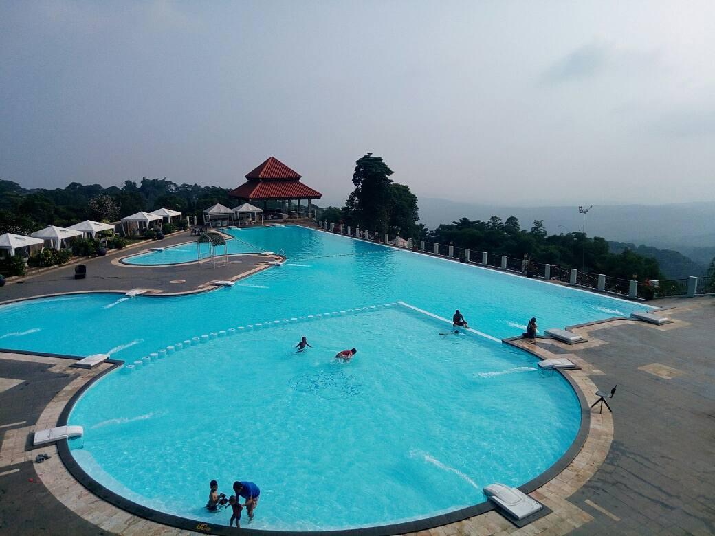 Giri Tirta Kahuripan Pool