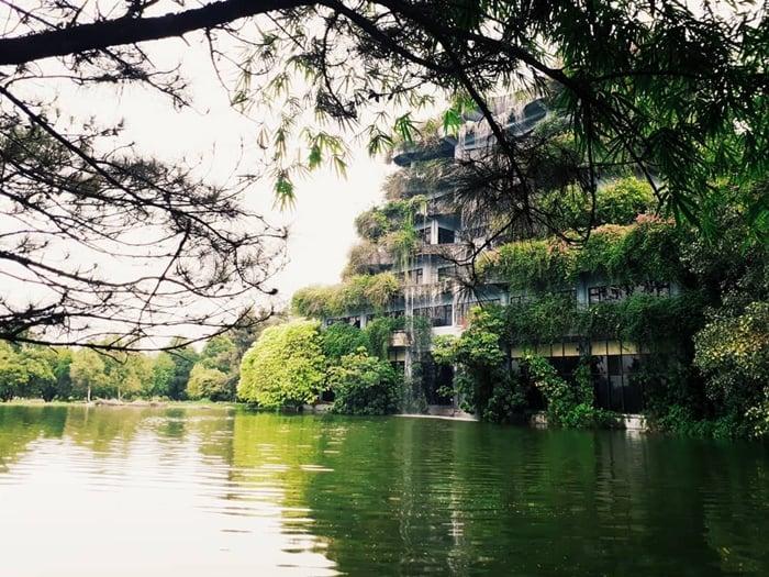 Mekarsari Waterfall Building