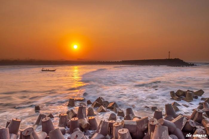 Pantai Glagak Sunrise