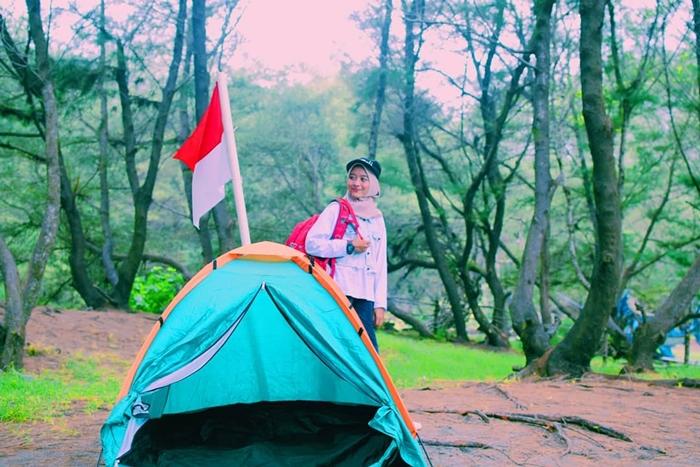 Pantai Goa Cemara Camping