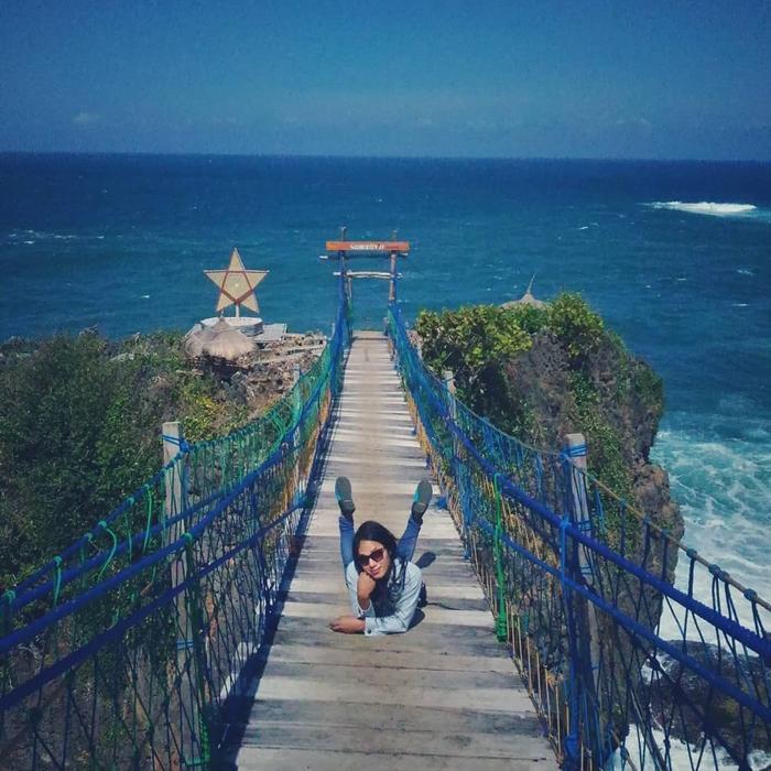 Pantai Siung Bridge
