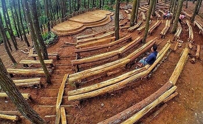 Panggung Hutan