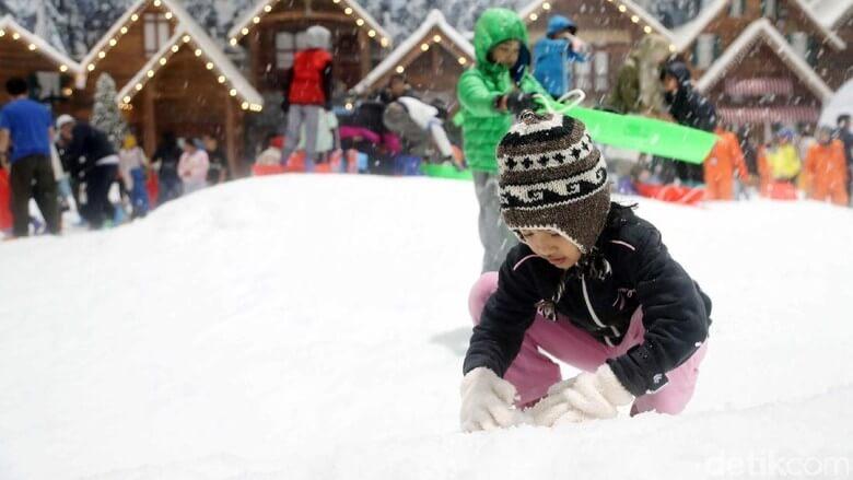 bermain salju di trans snow world bekasi
