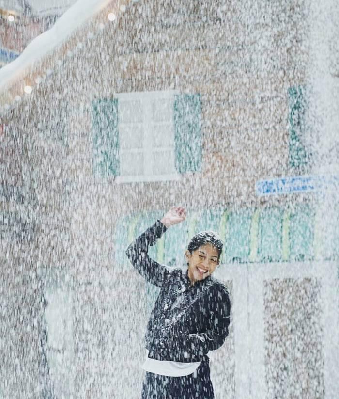 hujan salju di trans snow world