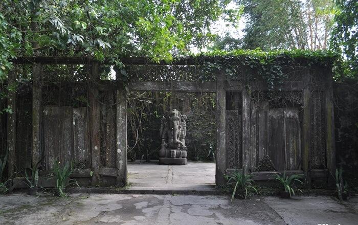 Ganesha gate