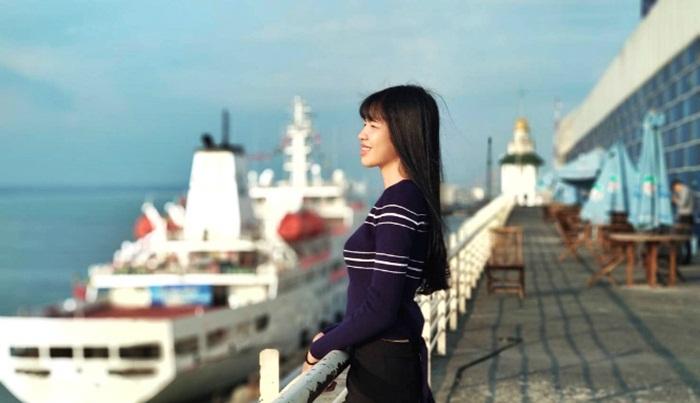 Pengunjung-berfoto-di-Surabaya-North-Quay