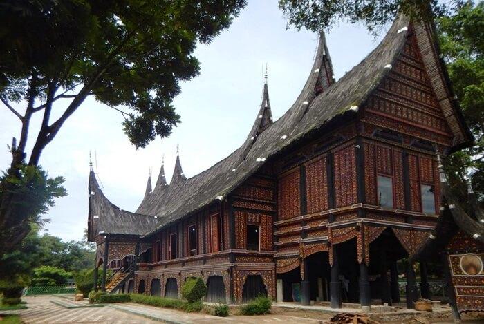 Taman Margasatwa dan budaya
