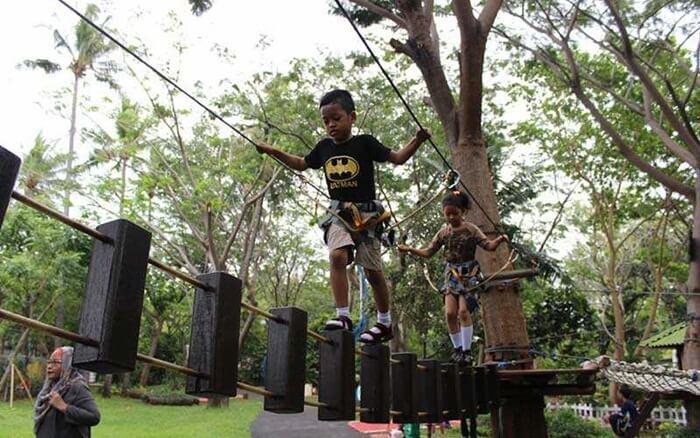 kid-outdoor
