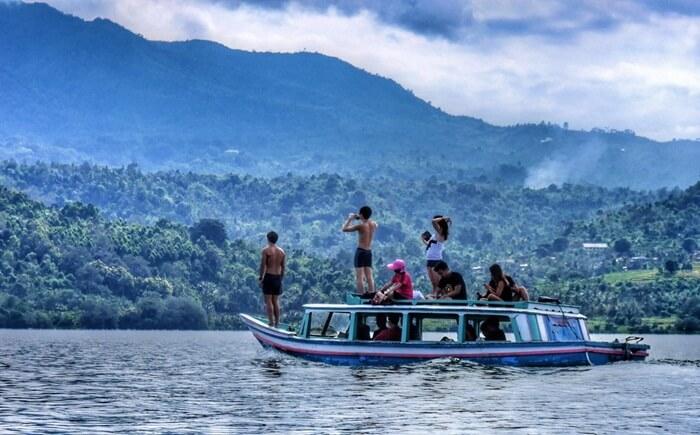 perahu danau