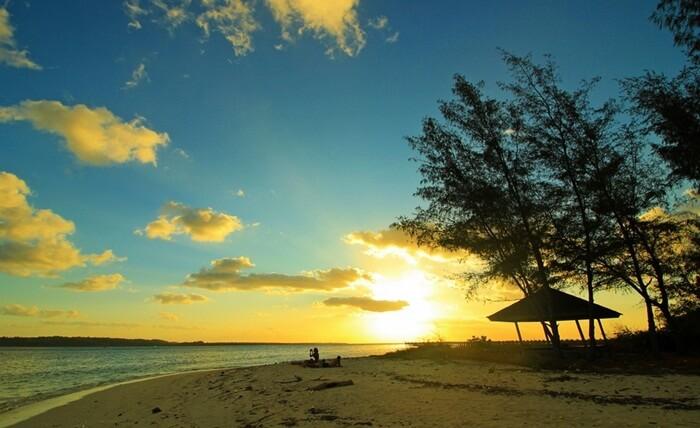 Pantai pulau Hoga