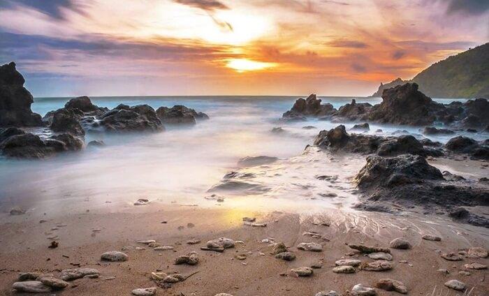 Pantai Wendi Ombo