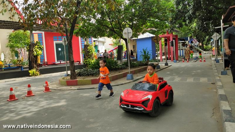 belajar lalulintas di Taman Pintar Jogja