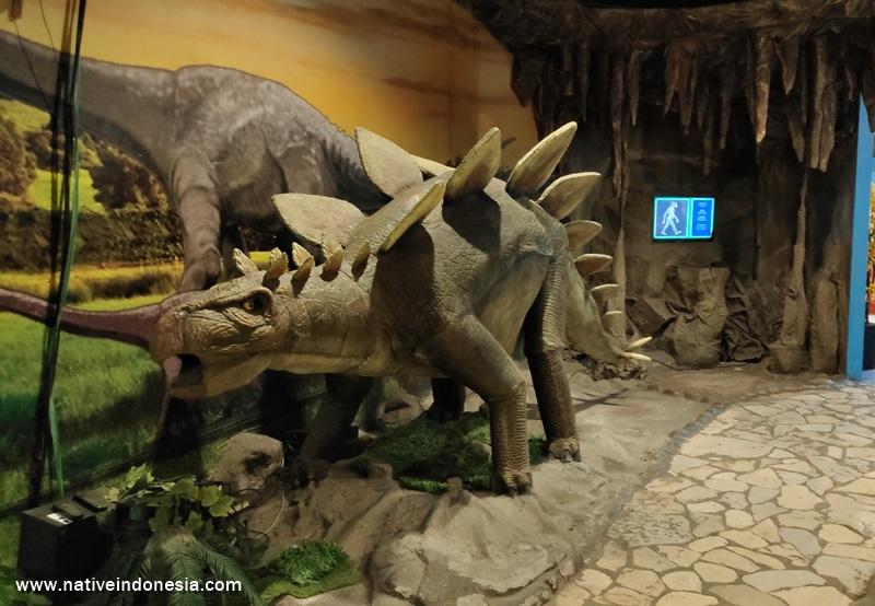 dinosaurus di Taman Pintar Jogja