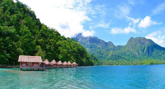 Playa de Ora en Maluku