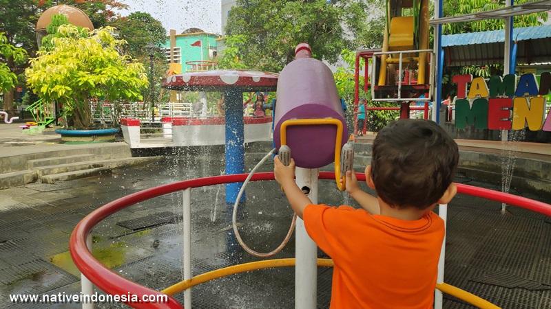 taman air di Taman Pintar Jogja