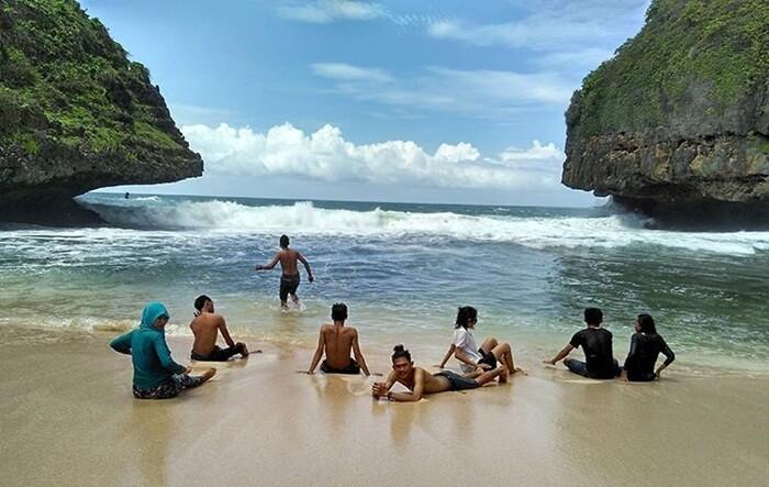 Main Air Pantai Greweng