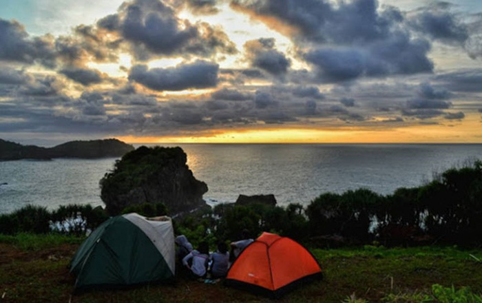 camping pantai jungwok