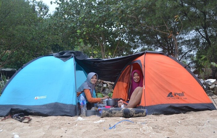 camping pantai watu kodok
