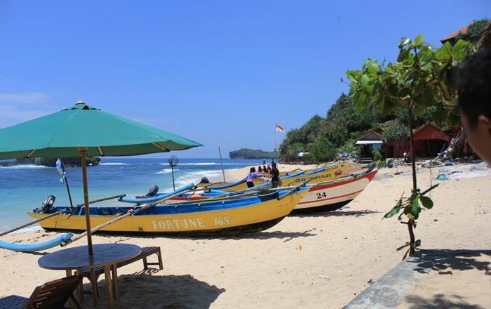 nelayan pantai-ngandong