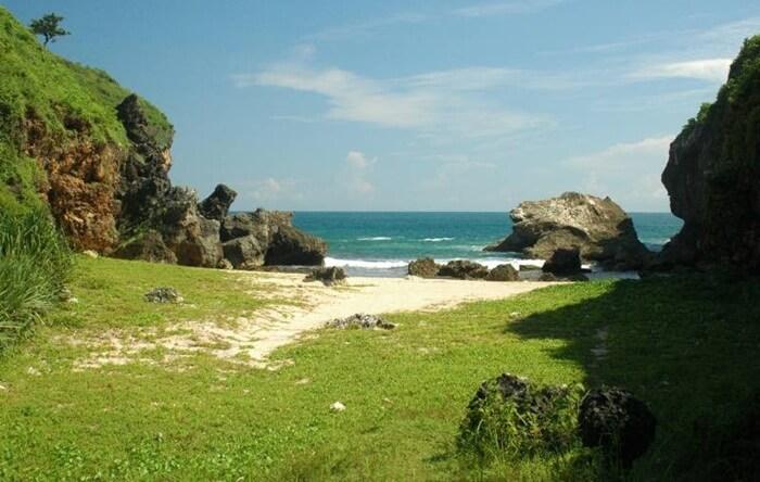 pantai yang sepi